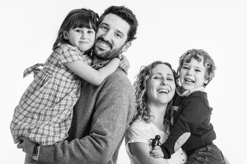 Fotografia familias Zaragoza. Sesion fotos familiares Zaragoza